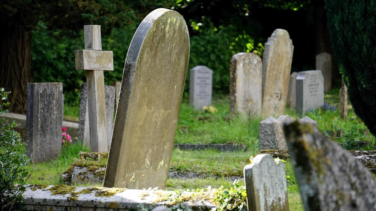 St. Anne's Cemetery Tour
